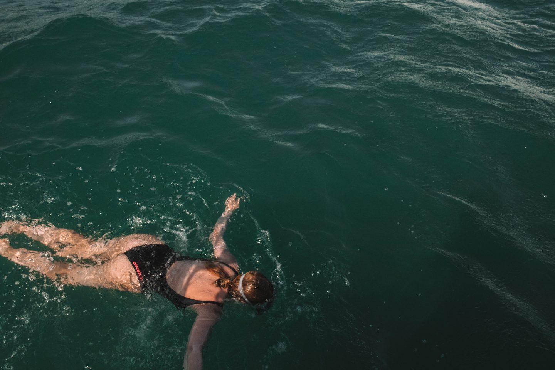 nager dans l'eau